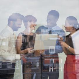 Informal Meeting-Image Source/Cultura